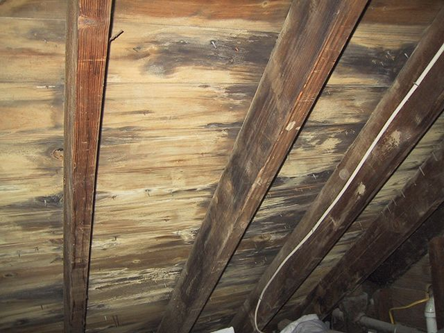 5 most common gutter issues leaking roofs