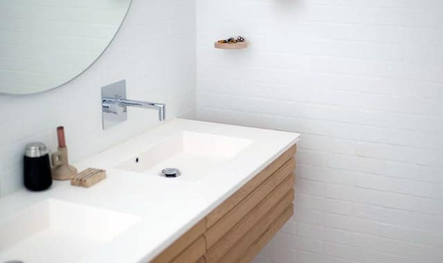 Small bathroom renovation - refresh your bathroom with small changes